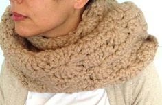 Loop Schlauchschal Wolle Gehäkelt - ein Designerstück von SylviasCottage bei DaWanda