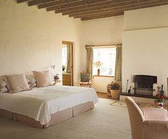 Celebrity Home: Angela Lansbury | Inspiring Interiors