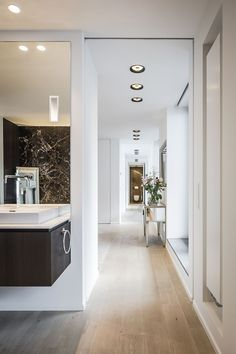 Martin van Essen - Penthouse met luxe interieur | sauna shower and ...