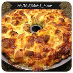 Pepperoni & Mozzarella Pizza Pull Apart Bread Tailgate #SundaySupper - In The Kitchen With KP