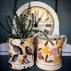 Maureen Morshuis on IG ♡ Pottery Cafe, The Scaffold, False Wall, Emma Bridgewater Pottery, Happy Sunday Everyone, Big Bathrooms, Beautiful Morning, How To Make Tea, Vignettes