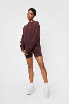 Jordan Outfits Womens, 90s Urban Fashion, Sweatshirt Outfit, Long A Line, Nice Dresses, Biker, Normcore, Shorts, Sweatshirts