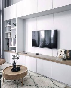 80 Likes, 4 Comments - Barbara Fritschy Cute Living Room, Living Room Wall Units, Living Room Cabinets, Living Room Storage, Living Room Modern, Living Room Designs, Living Room Decor, Wall Unit Designs, Muebles Living