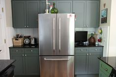 Pretty cabinets from Urban Grace Interiors #gray #cabinets #kitchen