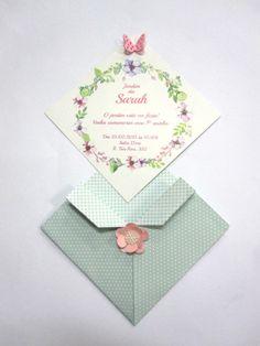 Convite jardim  Tam. aprox. 13x13cm  Aplique de borboleta e flor de papel  Convite impresso em papel couche 250 g.  Envelope papel de scrap 180g  Opcional tag impresso nome dos convidados 0,30 por convite.  .