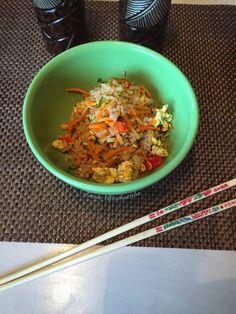 Reis ist beim Asiaten mein Lieblingsgericht - mit viel Gemüse und Ei schmeckt dieses einfach unschlagbar! Hier die Low-Carb Reis Version!