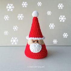 Anota el esquema y ponte a tejer este gracioso Papá Noel para decorar en casa.