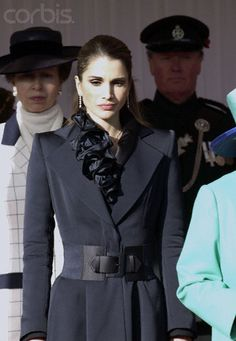 Queen Rania of Jordan at Windsor Castle on a state visit.... Soooo chic