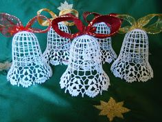 Crochet Christmas Decorations, Christmas Tree Design, Crochet Ornaments, Crochet Snowflakes, Christmas Bells, Xmas Decorations, Christmas Projects, Christmas Crafts, Tatting Patterns