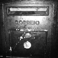 Correio #boiteauxlettres #lisboa #lisbonne #vintage #courrier #black #noir #ancien #typique #postal #correio by monpetitdrap