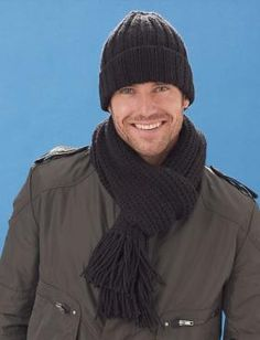 Mary Maxim - Free Men Hat and Scarf Pattern/// Caron United yarn./Caron United g; 235 m) Hat Scarf Black 1 3 ball(s) Size U. Mens Hat Knitting Pattern, Beanie Pattern, Knitting Patterns Free, Knit Patterns, Free Knitting, Free Pattern, Knitting Needles, Knitting Ideas, Knit Hat For Men