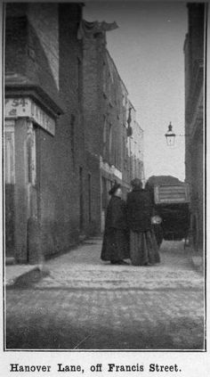years gone by. Old Pictures, Old Photos, Victorian Photos, Photo Engraving, Ireland Homes, Dublin City, Irish Celtic, Dublin Ireland, 1930s