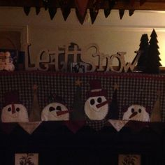 Christmas mantle hanger - pattern available from Patched Pumpkin Southport