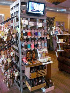 Pallet Store Display: #Pallets #DIY #RePurpose #Storage #RoomDivider #WallStorage