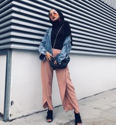 because i have a friend who just sucks at clothes :v Modern Hijab Fashion, Street Hijab Fashion, Hijab Fashion Inspiration, Muslim Fashion, Modest Fashion, Fashion Outfits, Modest Clothing, Modest Dresses, Modest Outfits