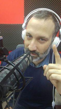 """ΣΣΣ.... ΑΡΧΙΖΕΙ ! Όπως κάθε Δευτέρα βράδυ 20:00-22:00 tο Νο1 ραδιο-φονικό show Τις Νύχτες Ντύνομαι Παιδί με τον George Zorbas στις πιο """"τσίτα-τα-γκάζια"""" rock επιλογές  Supported by : Μπυραρία βινύλιο (Vinylio Beerhouse) Visit https://ift.tt/1oZ0u3k for more."""