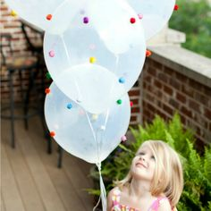 Over 25 amazing ideas for DIY balloon crafts! Check out theses creative ways you can decorate balloons for parties and holidays!