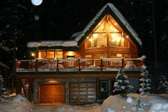 Wayward Chalet, British Columbia, Canada http://www.tripadvisor.co.uk/Hotel_Review-g499143-d182388-Reviews-Wayward_Chalet-Panorama_British_Columbia.html