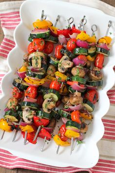 Grilled Vegetable and Mushroom Kebabs - Olga's Flavor Factory - Grillen Styla Vegetarian Skewers, Grilled Vegetable Skewers, Veggie Skewers, Grilled Vegetables, Bbq Vegetables, Vegetarian Barbecue, Kinds Of Vegetables, Different Vegetables, Kebabs On The Grill