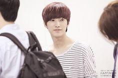 [120823] Jinyoung @ Gimpo Airport Depart to Japan [11]    Credits : 11180814.com    Re-up : Aorishina @ FLYB1A4 / Tumblr
