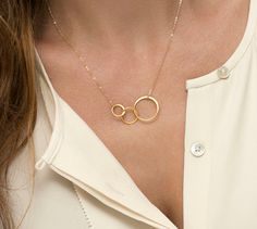 FAMILY Necklace / Circle Link Necklace in 14k Gold Fill or Sterling Silver / New Mom Necklace / Simple Gold Necklace