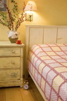 Luxury Bedspreads - Red Bedspreads - Hand Block Printed from Attiser Red Bedding Sets, Yellow Sheets, Luxury Bedding Collections, Cheap Bed Sheets, King Size Bed Sheets, Red Sheets, Decorative Sheets, Designer Sheets, Red Bedspread