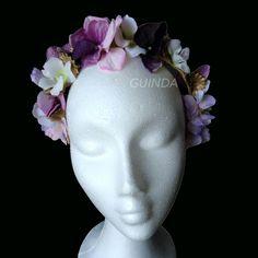 Nuevo tocado modelo RUTH. Corona de flores y pétalos.