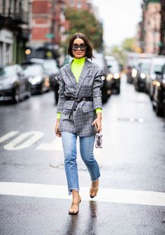 Camila Coelho wearing neon turtleneck, grey checked blazer, cropped denim jeans is seen outside Phillip Lim during New York Fashion Week Spring/Summer 2019 on September 2018 in New York City. Get premium, high resolution news photos at Getty Images Fashion Week 2018, New York Fashion, Daily Fashion, Blazer Outfits, Casual Outfits, Fashion Outfits, Top Neon, Turtleneck And Blazer, Cool Street Fashion