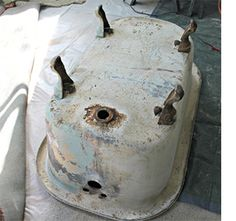 paint restore revamp rusty claw foot bath tub with rust-oleum Clawfoot Tub Bathroom, Bamboo Bathroom, Bath Tub, Bathtub Makeover, Bathroom Makeovers, Claw Foot Bath, Foot Baths, Cast Iron Bath, Painting Bathtub