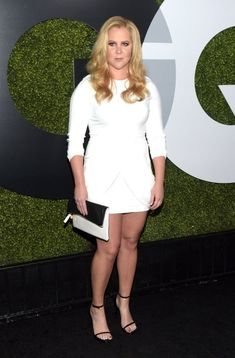 Be confident in what you wear with these stying tips to help you bring out the best in your fashion look like Amy Schumer Male To Female Transgender, Irish Fashion, Fashion News, Fashion Outfits, Amy Schumer, Gq Men, Mtv Movie Awards, Celebrity Feet, Red Carpet Fashion