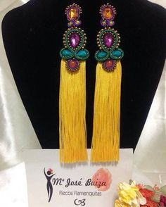Maria Jose Buiza, earrings soutache and fringe Tassel Earing, Tassel Jewelry, Soutache Jewelry, Jewelry Art, Beaded Jewelry, Diy Necklace, Beaded Earrings, Earrings Handmade, Handmade Jewelry