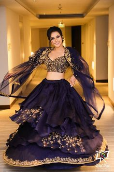 Unique Bridal Lehenga designs that is every Bride's pick in Indian Wedding Gowns, Indian Gowns Dresses, Bridal Dresses, Indian Bridal Outfits, Engagement Dress For Bride, Engagement Outfits, Designer Party Wear Dresses, Indian Designer Outfits, Indian Bridesmaids