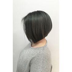 Hello granny status 👵🏼 #hairbykalli #hairstylist #hair #hairjoi #hairlove #hairbrained #vancouver #vancouverhairstylist #yvr #onthefringe #otfmain #otf #joico #joicocolor #joicocanada #joicointensity #grey #greyhair #grannystatus #classicbob #lovemyjob #passion #mainstreet #mainstreethairstylist