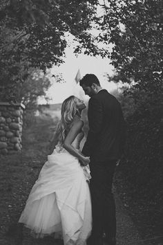 20 of the most romantic pictures from real weddings - Wedding Party OMG so so soooo amazing! <3