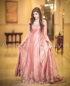 Party Wear Long Gowns, Party Wear Indian Dresses, Desi Wedding Dresses, Party Wear Lehenga, Wedding Wear, Dress Party, Wedding Pics, Party Dresses, Pakistani Fancy Dresses