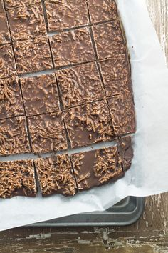 Coconut Rough - sugar free, dairy free and delicious. Made with only 4 ingredients :) No Sugar Healthy Eating Snacks Snacks For Work, Healthy Work Snacks, Healthy Sweets, Healthy Baking, Healthy Chocolate Snacks, Healthy Slice, Simple Snacks, Healthy Sweet Treats, Sugar Free Recipes