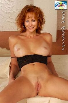 The reba mcentire nude breast pictures