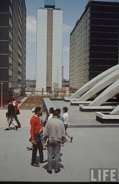 Ciudad Habitacional Nonoalco-Tlatelolco, México, DF 1964-1966    Arq. Mario Pani en colaboración con Luis Ramos -    City Housing Nonoalco-Tlatelolco, Mexico City 1965-1966    Architect: Mario Pani in collaboration with Luis Ramos