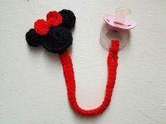 Adorable Diadema de Minnie Mouse de Ganchillo - Hazlo tu Mismo Estilo - Guidecentral - YouTube Crochet Mickey Mouse, Crochet Disney, Minnie Mouse, Boy Crochet Patterns, Baby Girl Patterns, Crochet Crafts, Crochet Toys, Crochet Projects, Crochet Pacifier Clip