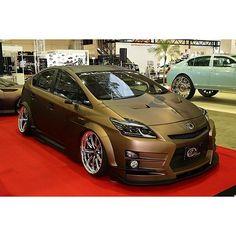 toyota prius jdm stanced on Instagram Chevrolet Volt, Chevrolet Tahoe, Ride 2, Air Ride, Daihatsu, Supercars, Toyota Hybrid, Nissan Leaf, Cars