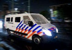 27-Jul-2014 12:26 - 'MOGELIJK HOMOGERELATEERD' STEEKINCIDENT IN CENTRUM. Een nog onbekende man is vannacht in het centrum van Amsterdam na een ruzie in zijn hoofd gestoken. Hij is gewond afgevoerd naar het ziekenhuis...