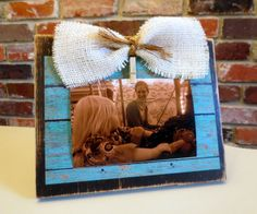 Teacher Gift- Rustic Distressed Shabby Chic Turquoise Wood Picture Frame with Burlap Bow via Etsy Rustic Picture Frames, Picture Frame Decor, Picture On Wood, Burlap Crafts, Burlap Bows, Diy Crafts, Window Shutter Crafts, Framed Burlap, Reclaimed Wood Projects