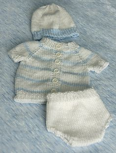 Baby Knitting Patterns Top Ravelry: Sue's 2 Piece Diaper Set pattern by Susan A. Knitting For Kids, Baby Knitting Patterns, Baby Patterns, Free Knitting, Vintage Knitting, Clothes Patterns, Knitting Ideas, Doll Patterns, Knitting Projects