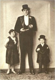 Napoleon giant of midget