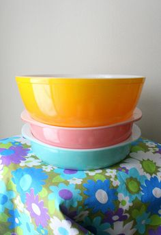 Love my Pyrex (unfortunately do NOT own the pink middle bowl)...