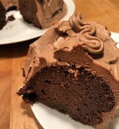 Kahlua chocolate cake is so good! Kahlua adds a subtle coffee flavor which enhances the chocolate wonderfully. Kahlua frosting makes it even better! Kahlua Chocolate Cake, Chocolate Flavors, Chocolate Recipes, Frosting Recipes, Cake Recipes, Dessert Recipes, Desserts, Kahlua And Cream, Cold Cake