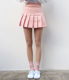 American apparel tennis skirt in 2019 skirts kläder, stiliga K Fashion, Asian Fashion, Bts Mode, Five Jeans, American Apparel Tennis Skirt, Mode Kawaii, Look Cool, Skirt Outfits, Capsule Wardrobe