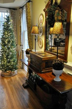 Christmas Home Tour 2016 – Dining Room Dining Room Table, Entryway Tables, Console Table, Dining Rooms, Foyer, Seasonal Decor, Holiday Decor, Holiday Ideas, Christmas Home