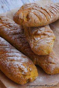 Bagietki dyniowe z ziołami i ziarnami Our Daily Bread, Kraut, Bread Recipes, Bakery, Breakfast, Food, Lasagna, Vegetarian, Polish Recipes