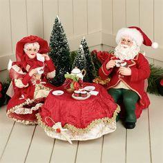 Sweethearts Clothtique Santa and Mrs Claus Figurine Set